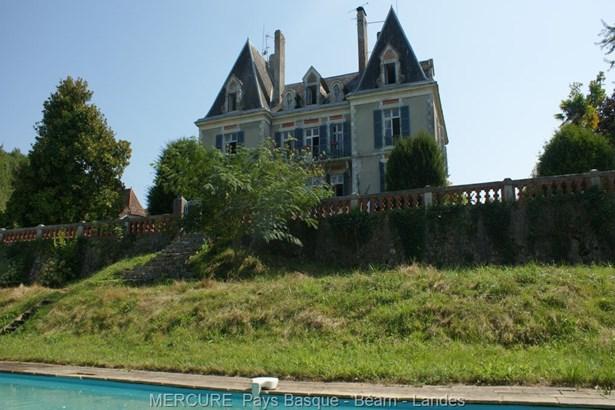 Salies De Bearn - FRA (photo 1)
