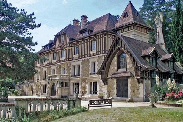 Compiegne - FRA (photo 2)