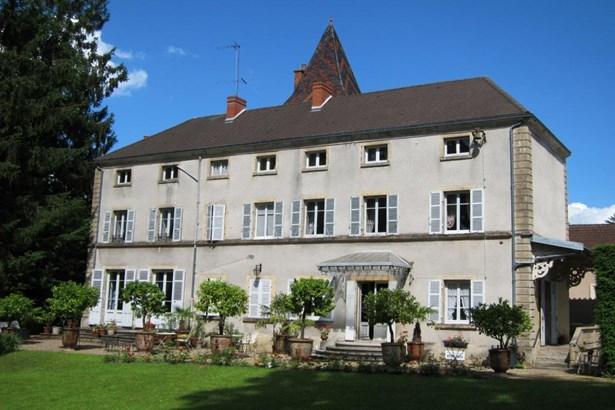 Chagny - FRA (photo 1)