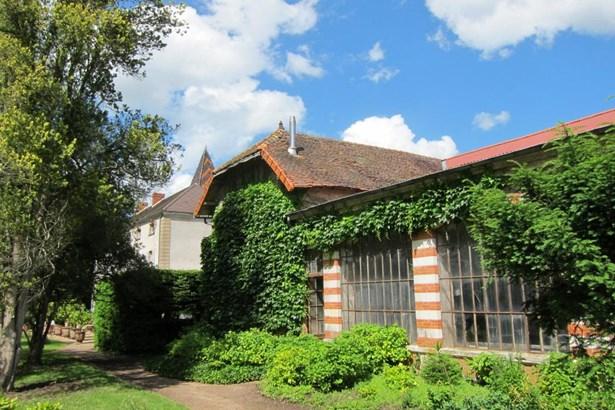 Chagny - FRA (photo 4)