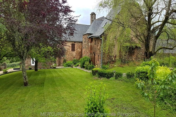 Conques - FRA (photo 2)