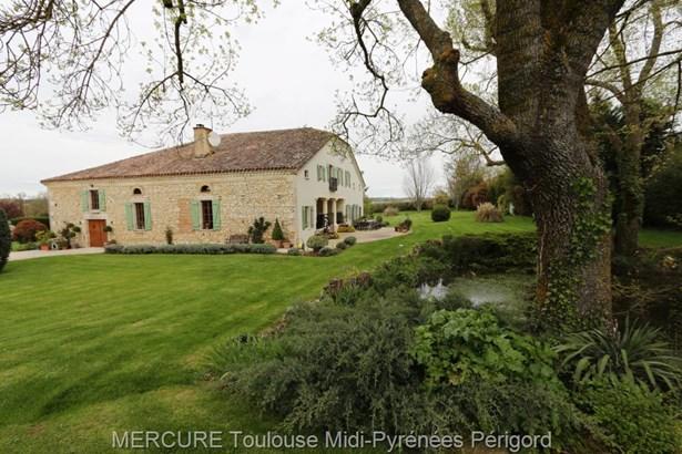 Beaumont De Lomagne - FRA (photo 1)
