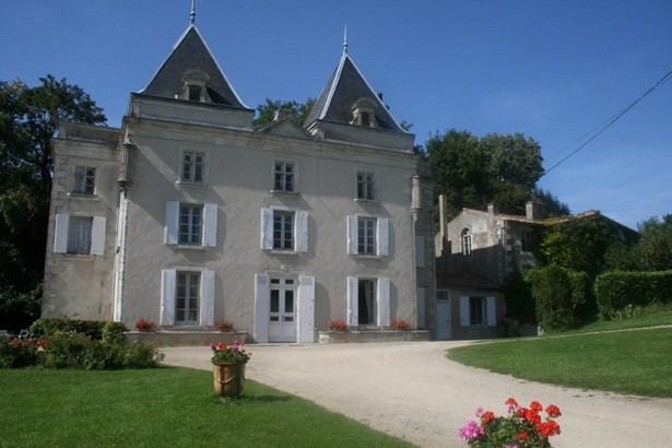 Saint Maixent - FRA (photo 1)