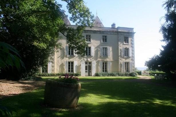 Saint Maixent - FRA (photo 2)