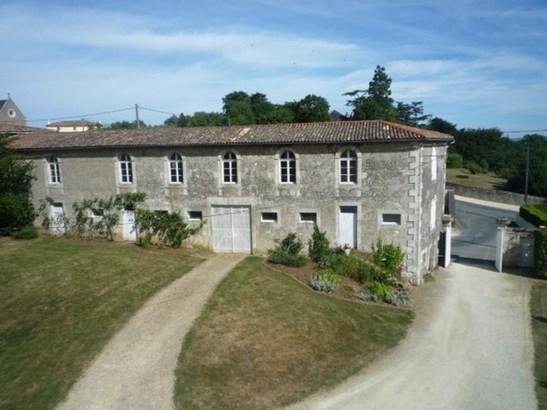 Saint Maixent - FRA (photo 5)