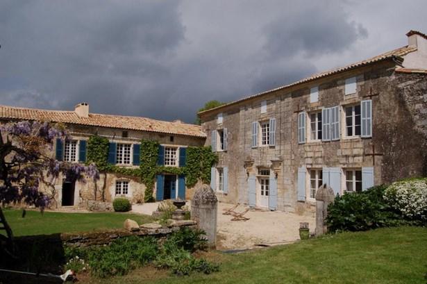 Champdeniers - FRA (photo 3)