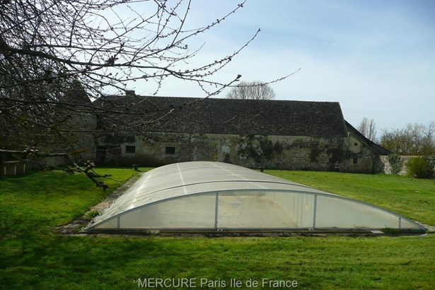 Houdan - FRA (photo 5)
