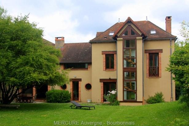 Vichy - FRA (photo 2)