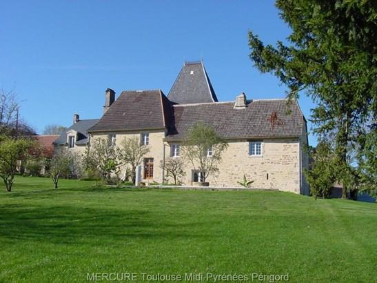 Hautefort - FRA (photo 2)