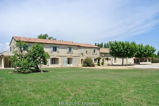 Arles - FRA (photo 1)