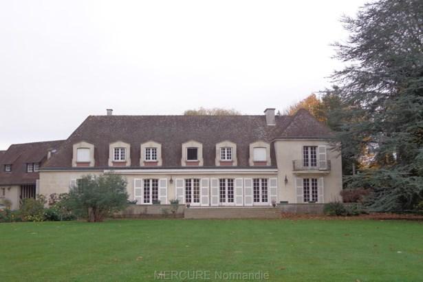 Ivry-la-bataille - FRA (photo 1)