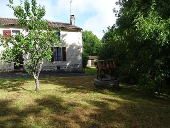 Foussais-payre - FRA (photo 2)