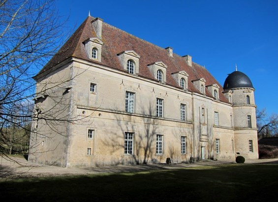 Aignay-le-duc - FRA (photo 2)