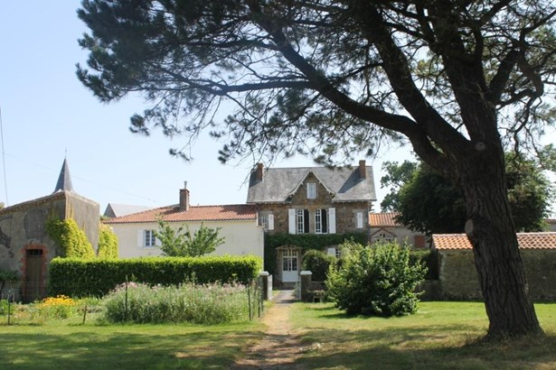 Chantonnay - FRA (photo 1)
