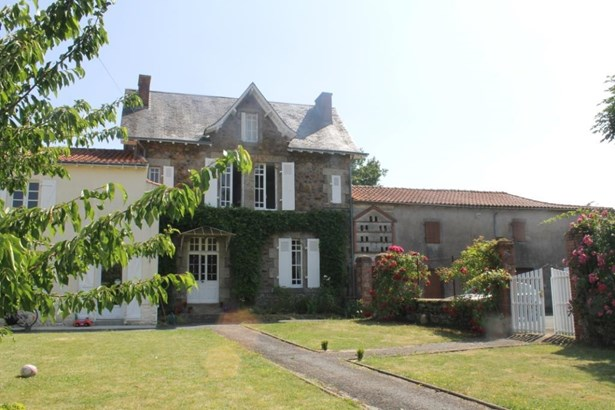 Chantonnay - FRA (photo 2)