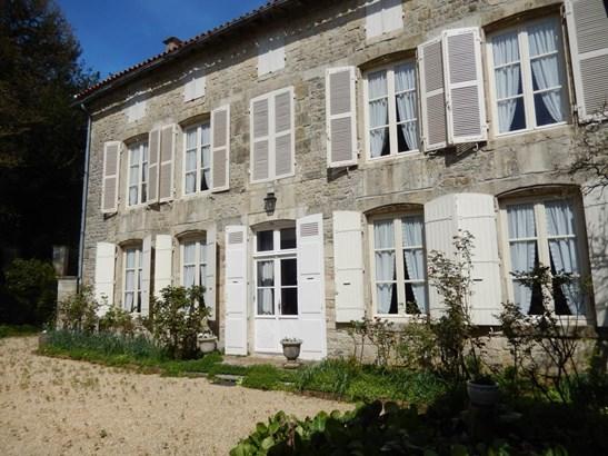 Melle - FRA (photo 2)