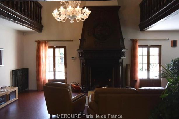 Morigny-champigny - FRA (photo 4)