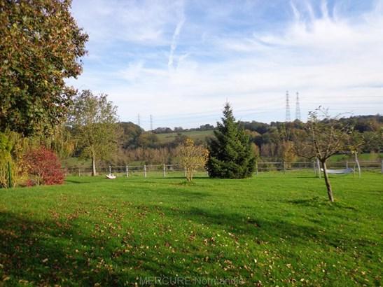 Lieurey - FRA (photo 4)
