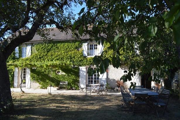 Saint Savin - FRA (photo 1)