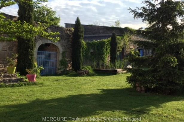 Severac Le Chateau - FRA (photo 2)