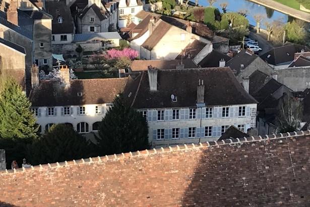 Dole - FRA (photo 1)