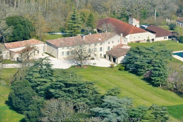 Laroque Timbaut - FRA (photo 1)