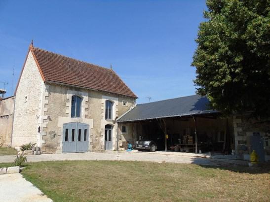 Vouillé - FRA (photo 4)