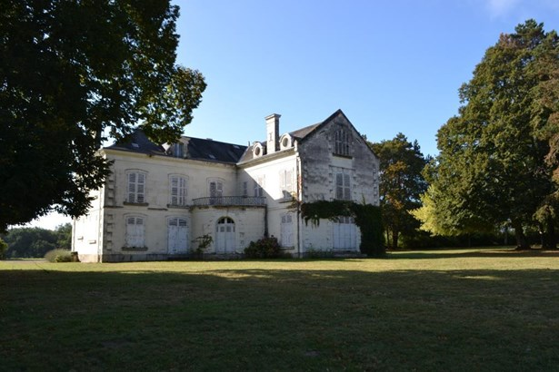 Chatillon Sur Indre - FRA (photo 2)