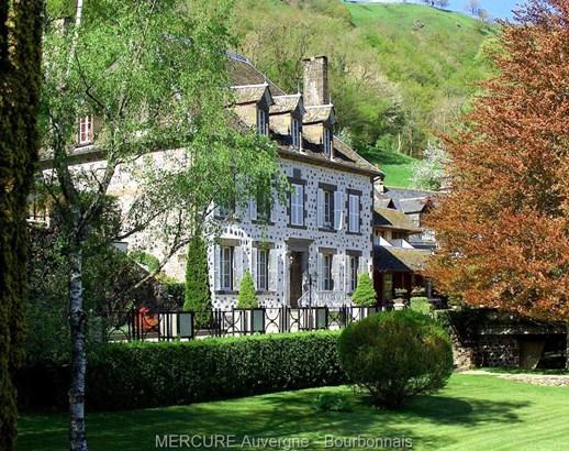 Saint Martin Valmeroux - FRA (photo 1)