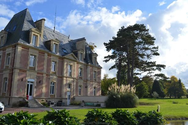 Courseulles-sur-mer - FRA (photo 1)