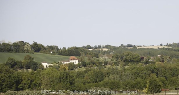 Agen - FRA (photo 2)