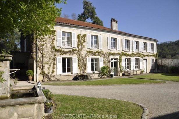 Bourgoin-jallieu - FRA (photo 2)