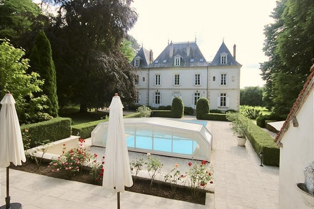 Nevers - FRA (photo 2)