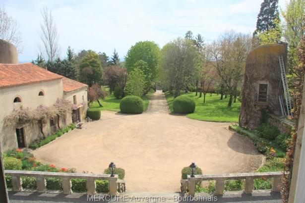 Artonne - FRA (photo 2)