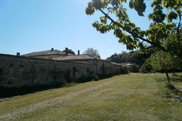 Jonzac - FRA (photo 5)