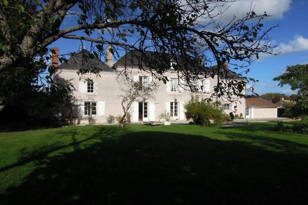 Benassay - FRA (photo 1)
