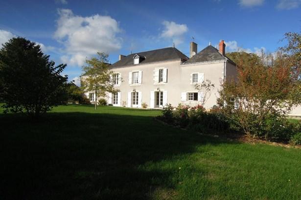 Benassay - FRA (photo 2)