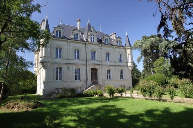 Chatellerault - FRA (photo 2)