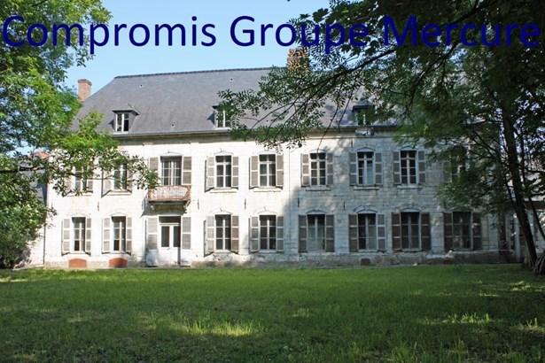 Avesnes Le Comte - FRA (photo 1)