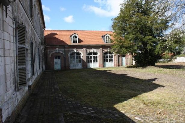 Avesnes Le Comte - FRA (photo 4)
