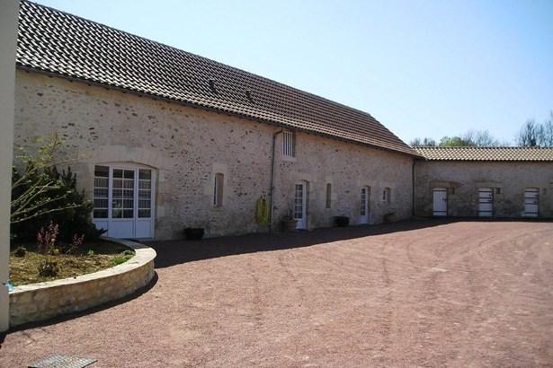 Bonneuil Matours - FRA (photo 2)
