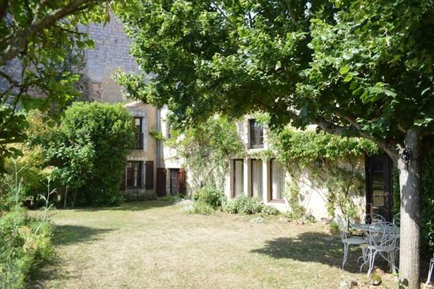 Chateau Larcher - FRA (photo 1)