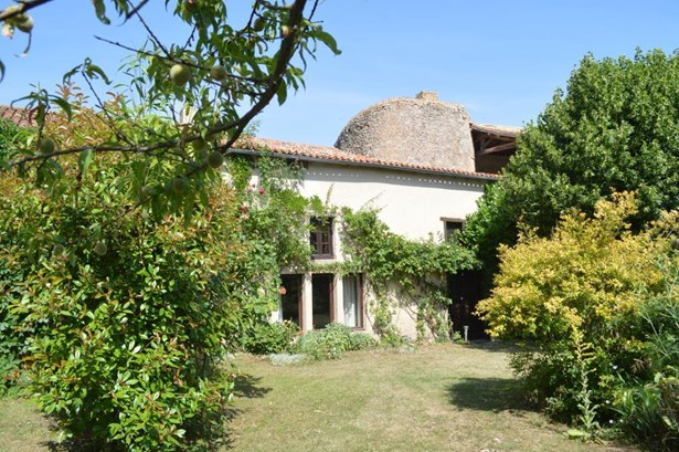 Chateau Larcher - FRA (photo 2)