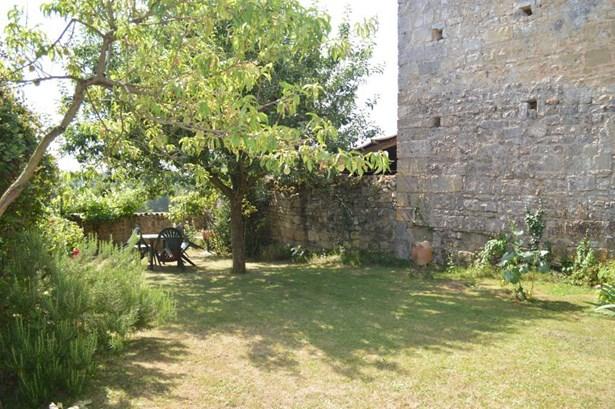 Chateau Larcher - FRA (photo 5)