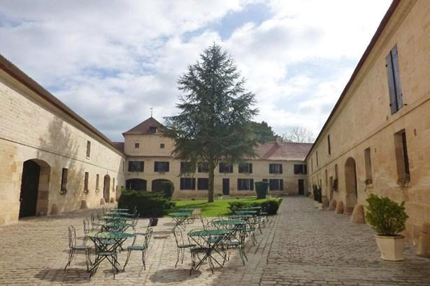 St Leu D'esserent - FRA (photo 1)