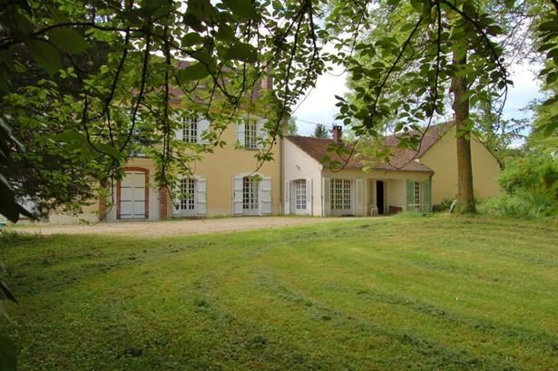 Joigny - FRA (photo 3)