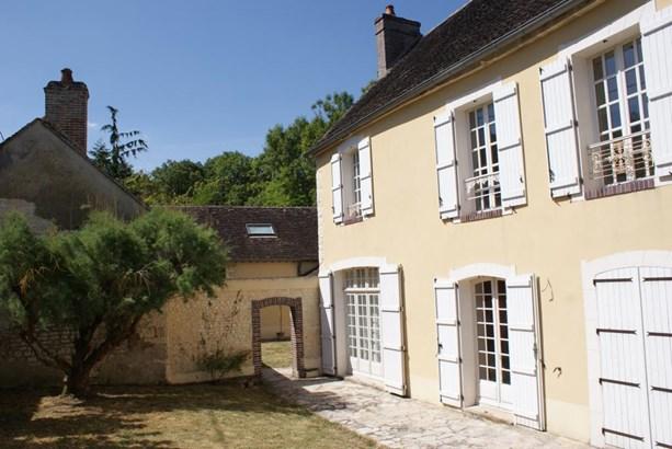 Joigny - FRA (photo 4)