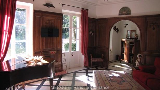 Breux Jouy - FRA (photo 4)
