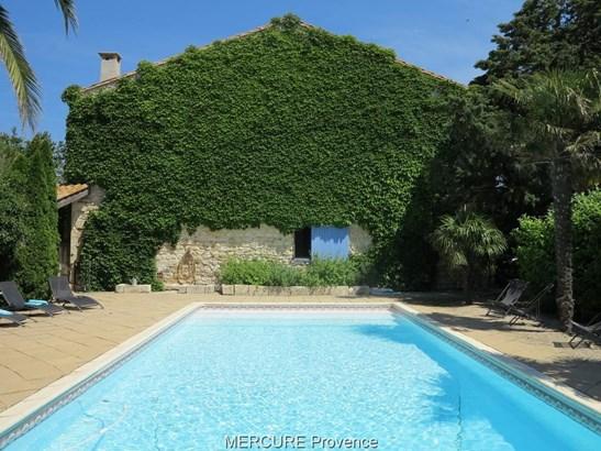 Arles - FRA (photo 3)