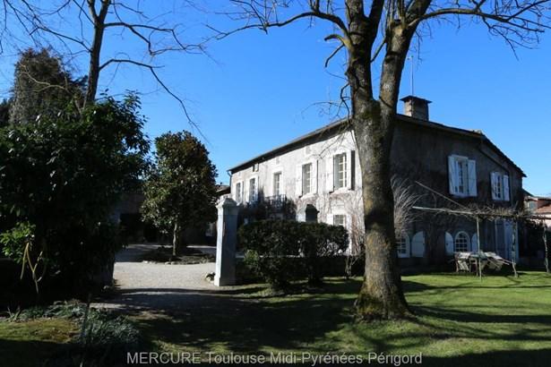 Montrejeau - FRA (photo 1)